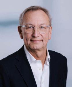 Dr. Axel Schroeder