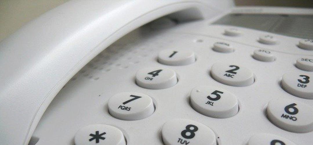 Nachfrage per Telefon - Festnetz Telefon Tastatur